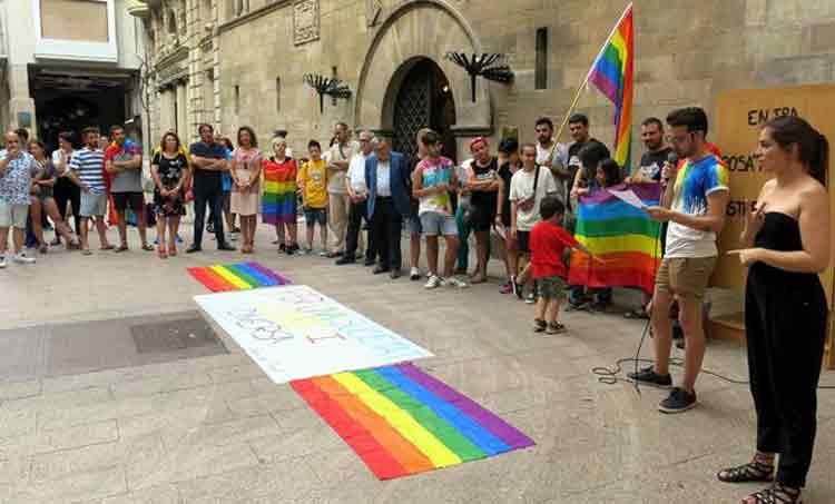 Lleida es suma a la commemoració del Dia Internacional de l'orgull LGTBI -  TOTLLEIDA
